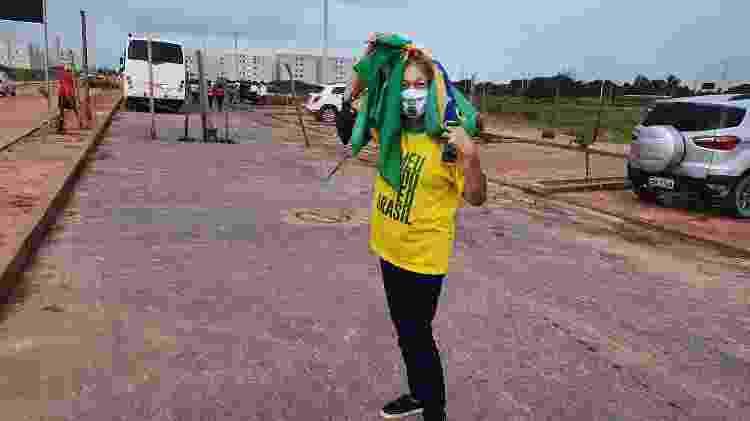 Olímpia de Barros Correia, voltando para casa, depois de participar do lançamento de uma entrega de casas populares em Maceió, com a presença de Jair Bolsonaro - Carlos Madeiro/UOL - Carlos Madeiro/UOL