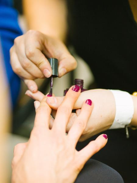 Serviço de manicure - Por Luana Maria Benedito