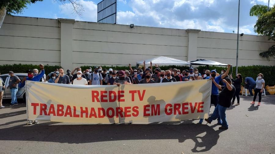 Editores de imagens, cinegrafistas e outros funcionários da Rede TV! estão em greve desde terça-feira - Divulgação