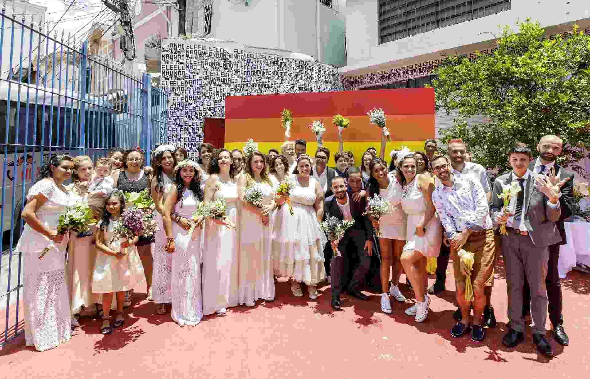 Quarenta casais homoafetivos participam do casamento coletivo organizado pela ONG Casa 1, no último sábado (15), em São Paulo - Mariana Pekin/UOL