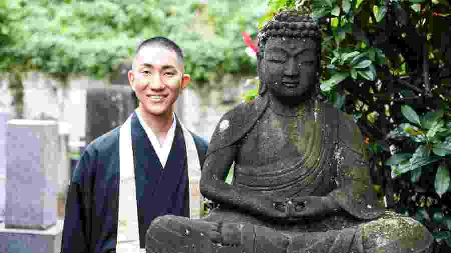 O monge e maquiador Kodo Nishimura - Arquivo Pessoal