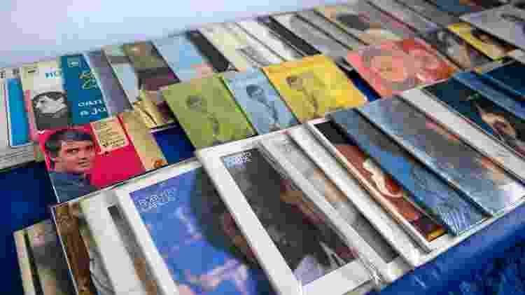 Parte da coleção de Rosemeire Barbosa, fã de Roberto Carlos - Flavio Moraes/UOL - Flavio Moraes/UOL