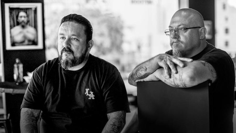 """O grafiteiro Mr. Cartoon e o fotógrafo Estevan Oriol, destaques do documentário """"LA Originals"""" - Divulgação/Netflix"""