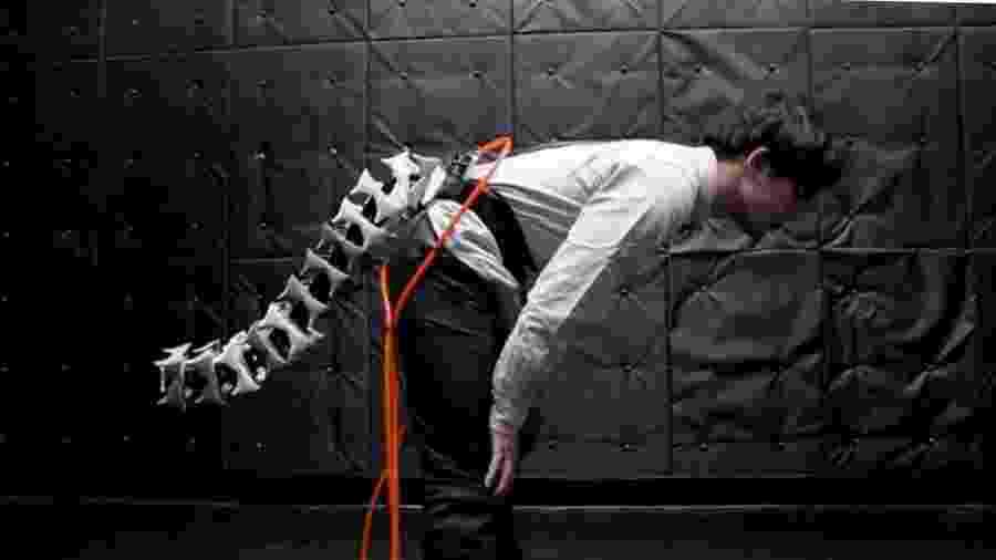 Pesquisadores japoneses criam cauda robótica - Yamen Saraiji (YouTube)