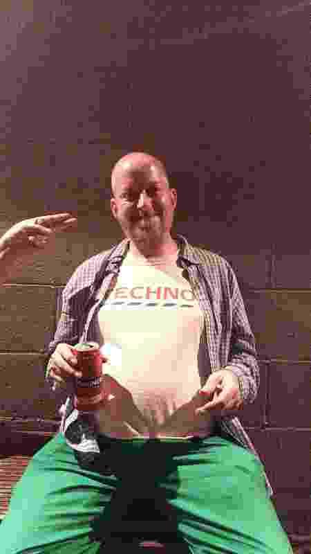 Chester, 51, já estava na segunda balada pós-abertura em Londres - João Pedro Caleiro/UOL - João Pedro Caleiro/UOL
