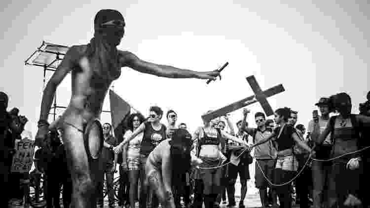 Performance do Coletivo Coiote na Marcha das Vadias em Copacabana, Rio de Janeiro, em julho de 2013 - Marcelo Santos Braga/Divulgação - Marcelo Santos Braga/Divulgação