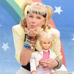 Xuxa faz programa normal nesta segunda-feira, sem qualquer lembrança ao Dia das Crianças - netflix