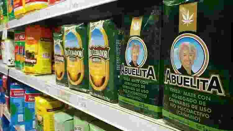 Versões de erva mate com cânhamo são vendidas em cadeias de supermercado e mercadinhos de bairro - Fabiana Maranhão/UOL