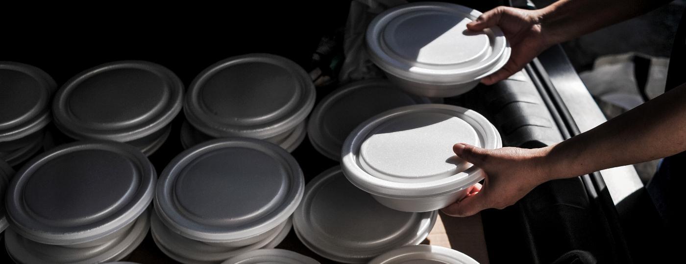 Para não fechar as portas, restaurante paulistano cria campanha de doação de marmitas para moradores de rua na região central - Reinaldo Canato