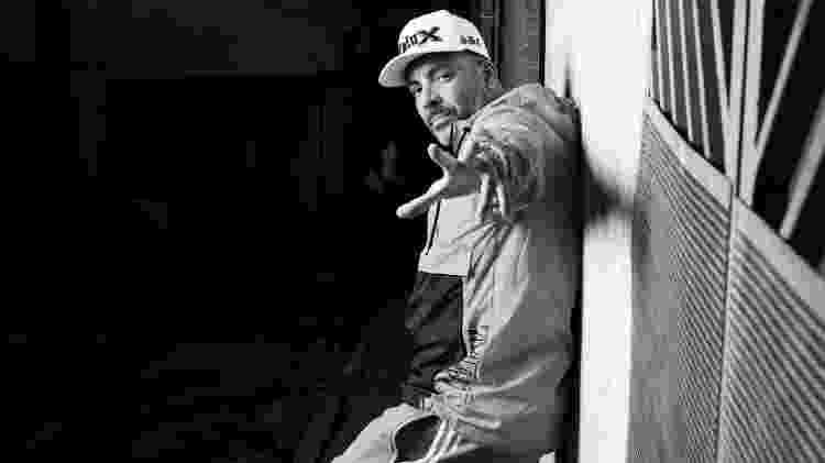 O rapper Dexter, na região metropolitana de São Paulo - Marcus Steinmeyer/UOL - Marcus Steinmeyer/UOL