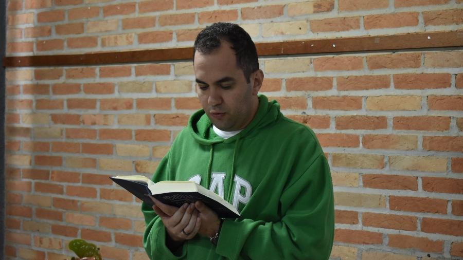 O jornalista Felipe Zangari que se graduou em Teologia em um curso a distância - Arquivo Pessoal