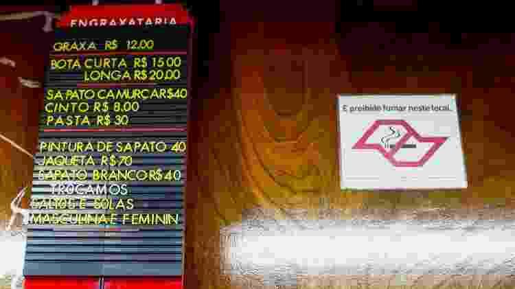 Tabela de preços da engraxataria - Flavio Florido/UOL - Flavio Florido/UOL
