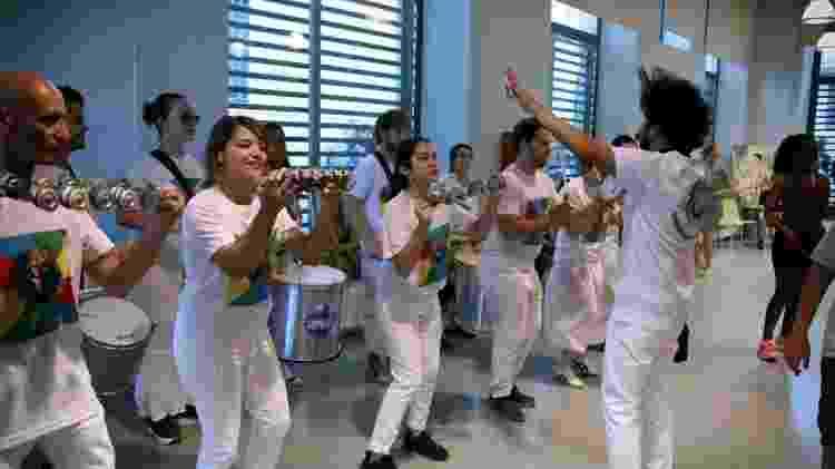 Um dos ensaios da bateria da Escola de Samba Alegria de Barcelona - Divulgação - Divulgação