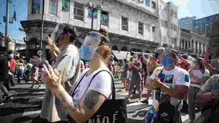 Manifestantes em ato contra o governo de Jair Bolsonaro, no centro do Rio - Zo Guimarães/UOL - Zo Guimarães/UOL