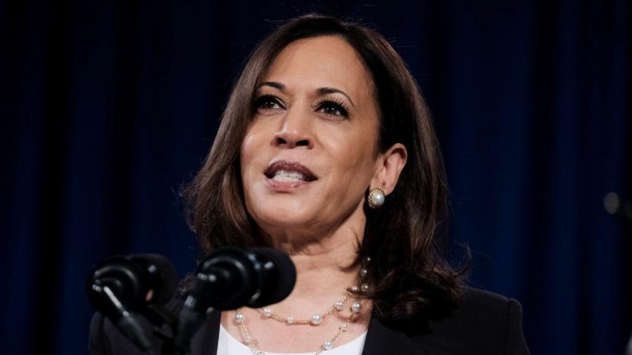 Harris lidera os esforços do governo Biden para administrar o fluxo de imigrantes da Guatemala, Honduras e El Salvador para a fronteira EUA-México - Michael A. McCoy/Getty Images