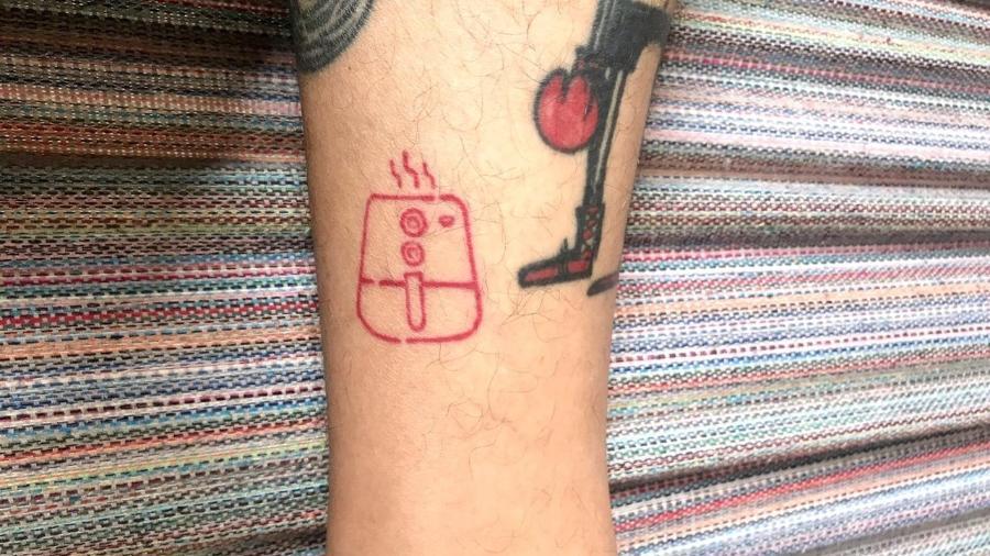 A tatuagem de Airfryer do designer e podcaster Marko Mello - Arquivo pessoal