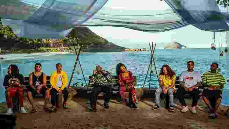 Os oitos convidados do Poesia Acústica gravam em cenário praiano - Matias Maxx/UOL