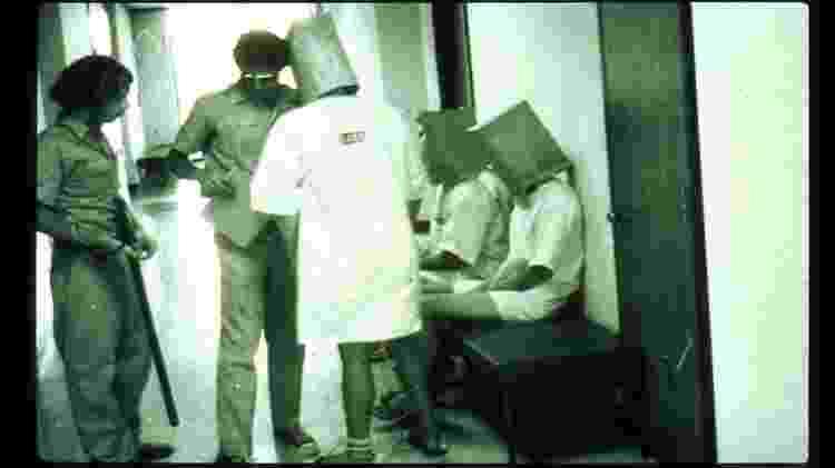 Guardas e prisioneiros voluntários do experimento de Stanford - PrisonExp.org - PrisonExp.org