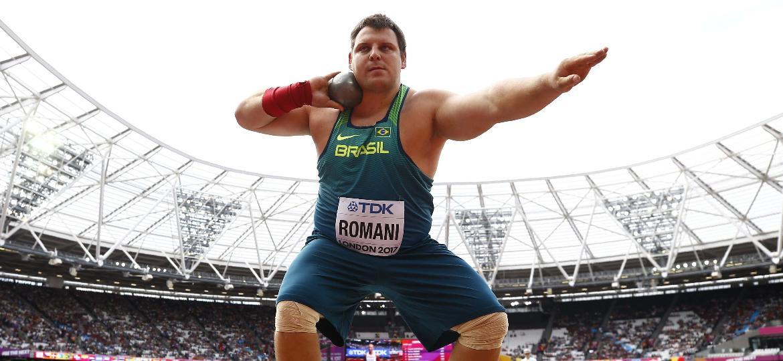 O atleta brasileiro Darlan Romani, durante o Mundial de Atletismo em 2017, em Londres - Kai Pfaffenbach/Reuters