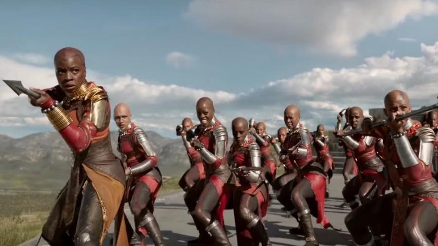 """Cena do filme """"Pantera Negra"""" mostra guerreiras de Wakanda, país fictício africano onde acontece a ação - Reprodução"""