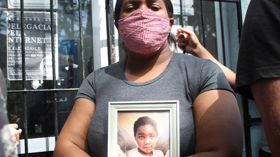 Mirtes de Souza, mãe de Miguel Otávio, que morreu ao cair do 9º andar de um prédio em Recife - Pedro De Paula/Código 19/Folhapress