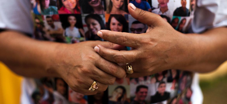 Natalia Oliveira ainda aguarda a localização e identificação dos restos mortais de sua irmã, Lecilda Oliveira, funcionária da Vale, em Brumadinho (MG) - Gustavo Baxter/UOL