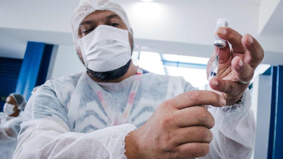 Prefeitura de Guarulhos dá início à vacinação contra a covid-19, em 12 de abril - Fepesil/TheNews/Folhapress