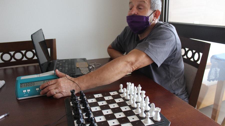 Oneide de Souza Figueiredo, 57, enxadrista cego de Porto Alegre - Luciano Nagel/UOL