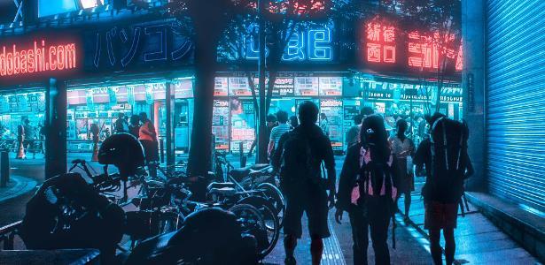 De striptease a balada, lazer japonês sobrevive de vaquinha na quarentena