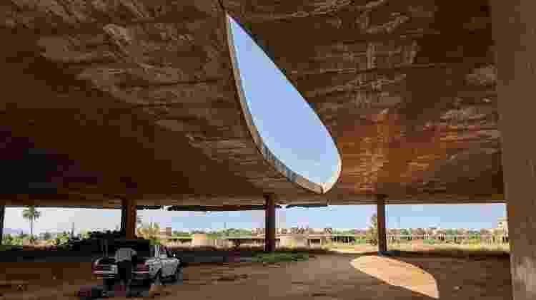 Projeto de Oscar Niemeyer em Trípoli, no Líbano - Fernanda Ezabella/UOL - Fernanda Ezabella/UOL