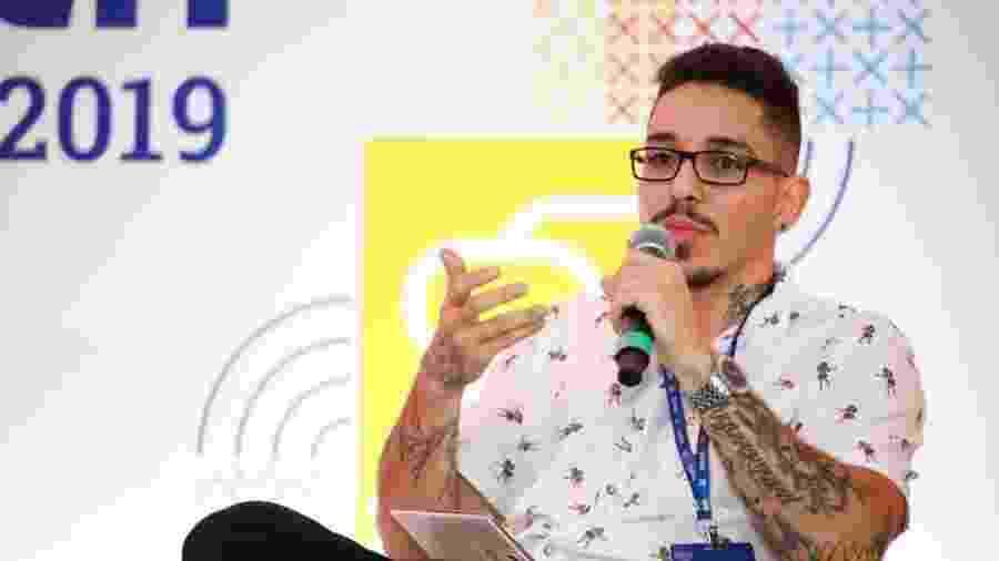"""João Martins na palestra """"De menino ou de menina: é na escola que se aprende? Questões de gênero na educação"""" do Festival Path - Marcelo Justo/UOL"""