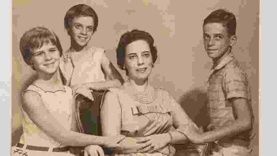 A União terá que pagar R$ 480 mil de indenização para as filhas da estilista, Hildegard e Ana Cristina - Instituto Zuzu Angel