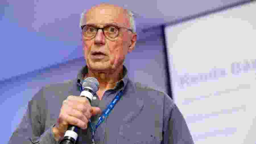 """Eduardo Suplicy na palestra """"Renda básica universal: o que dizem os futuristas"""" no Festival Path - Marcelo Justo/UOL"""