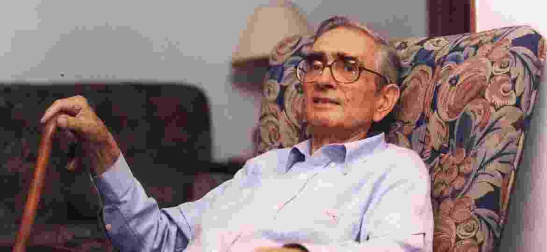 O sociólogo e professor Florestan Fernandes, em sua casa, em São Paulo, em 1995 - Eder Luiz Medeiros/Folhapress