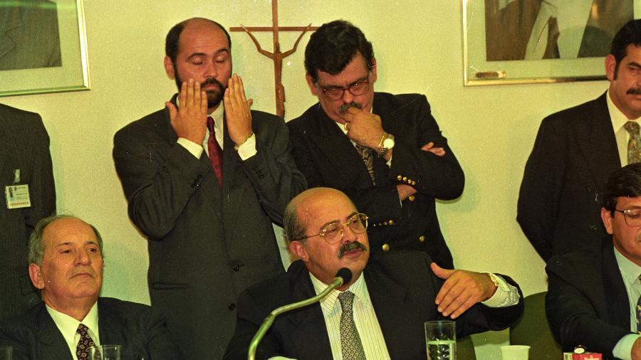 O ex-tesoureiro de Collor, PC Farias, depõe no início da CPI, em 9 de junho de 1992 - Lula Marques/Folhapress