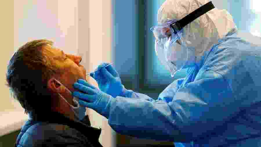 Médicos encontram sequelas perigosas em pacientes recuperados da covid-19 - Ints Kalnins/Reuters