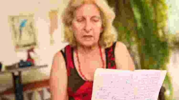 Wilma lê - Iwi Onodera/UOL - Iwi Onodera/UOL