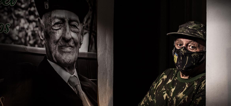 Antônio Carlos Garofalo, filho de Miguel Garofalo, ex-combatente da Segunda Guerra Mundial, quer fundar um museu com as memórias do pai  - Fernando Moraes/UOL