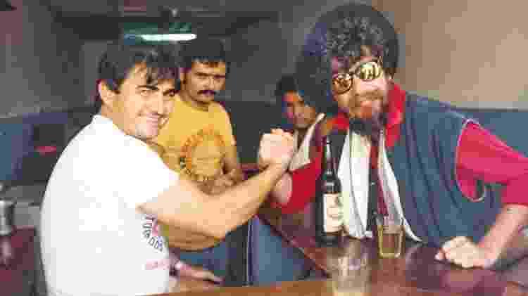 Raul Seixas em turnê por garimpos do Pará, em 1985 - Cris Villares/Divulgação