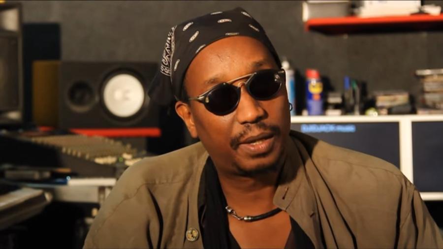 O músico senegalês Jean Pierre Senghor - YouTube / Reprodução