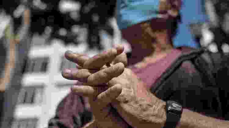 Idosos que vivem nas ruas, na região central de São Paulo. Carlos Alberto da Silva, 62, vive no entorno da Praça da Sé - Reinaldo Canato/UOL - Reinaldo Canato/UOL