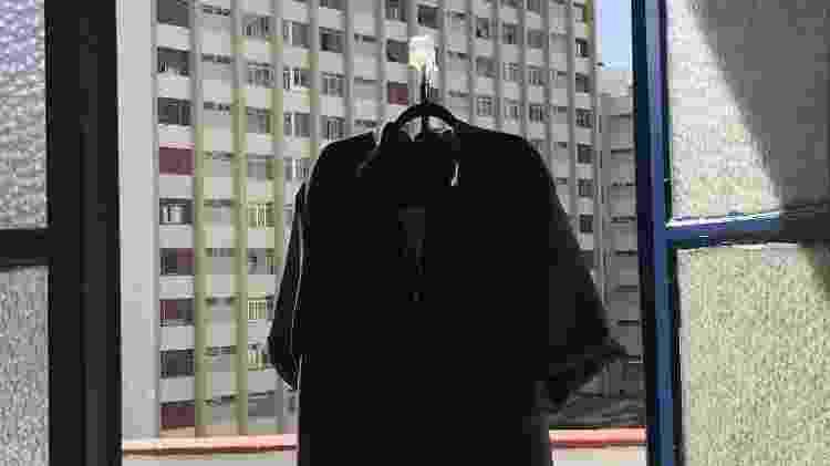 Camisa confeccionada pelo estilista Jônatas Santos do Nascimento - Lucas Kakuda - Lucas Kakuda