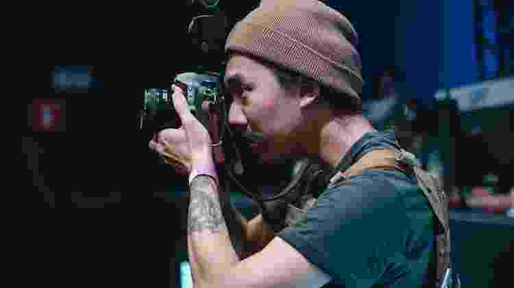 O fotógrafo Leonardo Sang trabalhando antes da pandemia - Saymon Sampaio - Saymon Sampaio