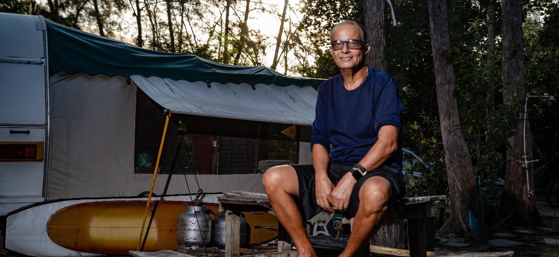 Humberto vive há 15 anos em um trailer e diz que o estilo de vida salvou seu casamento - Zô Guimarães/UOL