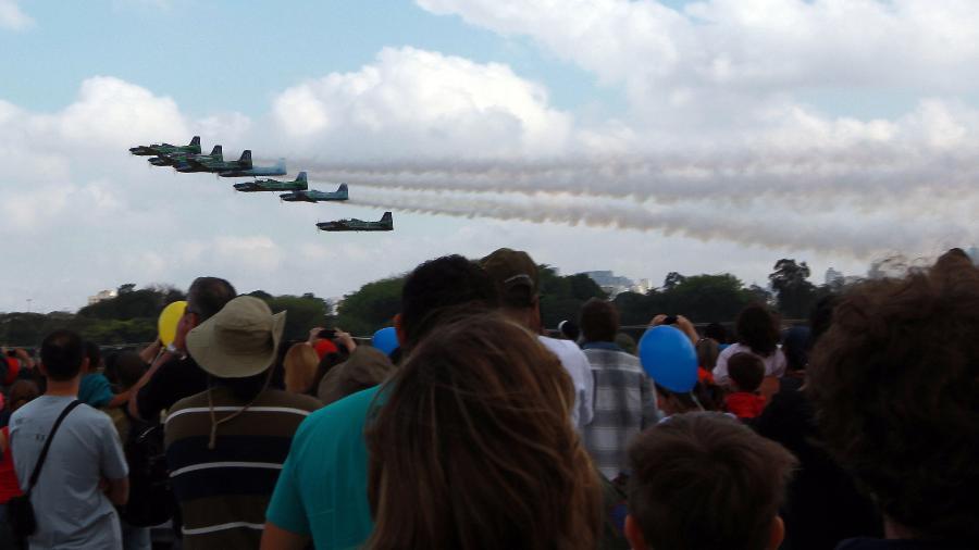 FAB (Força Aérea Brasileira) faz show aéreo no Campo de Marte, em 22 de setembro de 2012 - Rivaldo Gomes/Folhapress