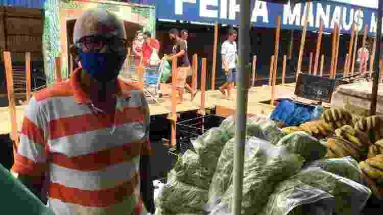 José Mariano, vendedor na Feira de Manaus Moderna - Jullie Pereira/UOL - Jullie Pereira/UOL
