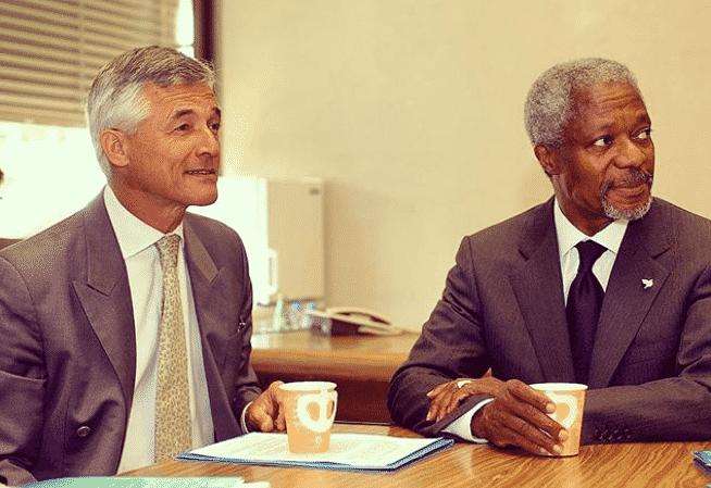 Sergio com Kofi Annan - Centro Sergio Vieira de Mello