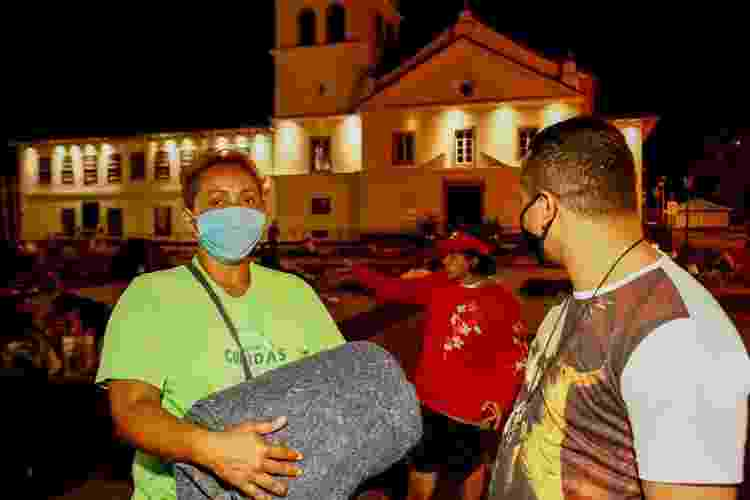 Missão Belém entrega cobertores no centro de São Paulo - Flávio Florido/UOL - Flávio Florido/UOL