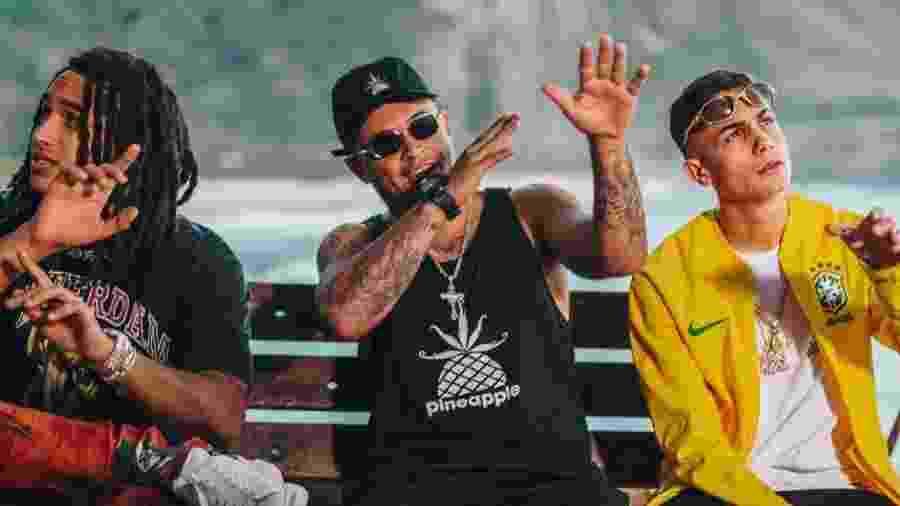 Matuê, DK e MC Hariel gravam o clipe do Poesia Acústica na Prainha, na zona oeste do Rio - Carlos Eduardo Andrade/Divulgação