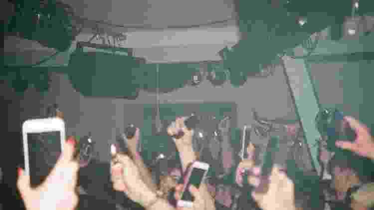 Público filma show com celulares - Venus Cyborg/Unsplash - Venus Cyborg/Unsplash